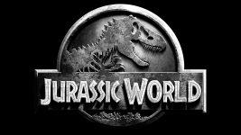 Jurassic World 3: Justice Smith e Daniella Pineda rientrano nel cast