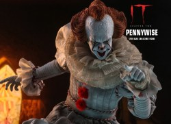 IT Capitolo 2: Hot Toys svela l'action figure di Pennywise