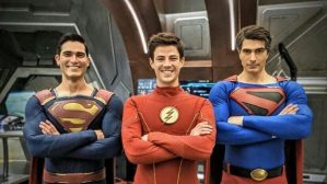 Crisi sulle Terre Infinite: le ultime foto dal set con Flash, Black Lightning, Batwoman, due Superman e due Lois Lane