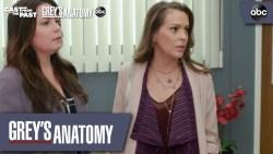 "Grey's Anatomy 16x03 ""Cast From the Past"": sneak peek della reunion di Streghe con Holly Marie Combs ed Alyssa Milano"