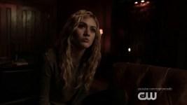 """Arrow 8x05: trailer, Sneak Peek, immagini e sinossi di """"Prochnost"""""""