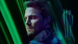 Crisi sulle Terre Infinite: le parole di Stephen Amell dopo la conclusione del crossover
