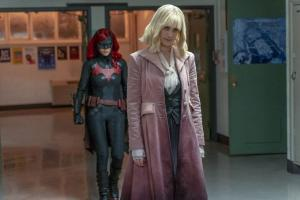 """Batwoman 1x10: le immagini e la sinossi dell'episodio """"How Queer Everything Is Today!"""""""
