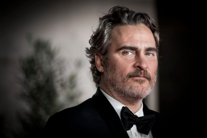 Joaquin Phoenix - Capitan Uncino