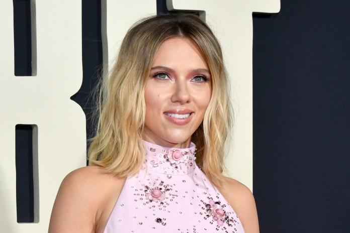 Bride Scarlett Johansson Apple