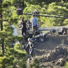 Immagine di Henry Cavill nei panni di Geralt rubata dal set di The Witcher