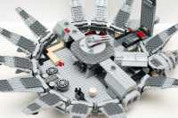 Reviewing Lego Set 7965 Millennium Falcon