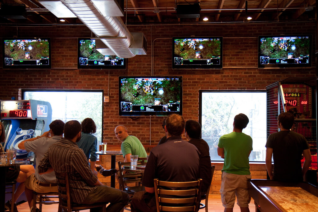 Bar e-sports video games