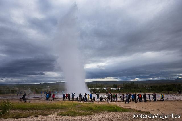 Geiser Strokkur, no círculo de ouro na Islândia