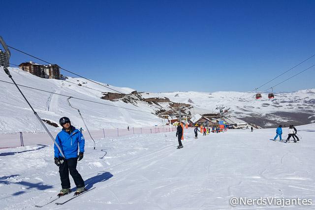 Espaço da aula de esqui e snowboard no Valle Nevado Ski Resort - Chile