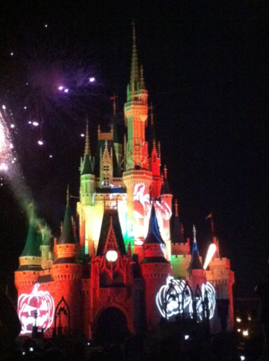 An Ideal Itinerary for Mickey's Not-So-Scary Halloween Party