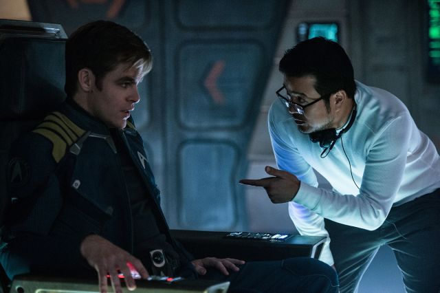 Chris-Pine-and-Justin-Lin-in-Star-Trek-Beyond