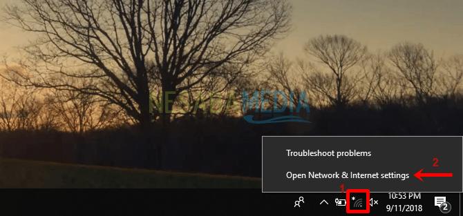 1 - Klik kanan pada ikon Wifi yang terdapat di taskbar lalu pilih Open Network & Internet settings