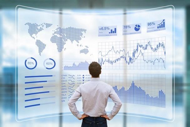 Understanding Economics According to Experts