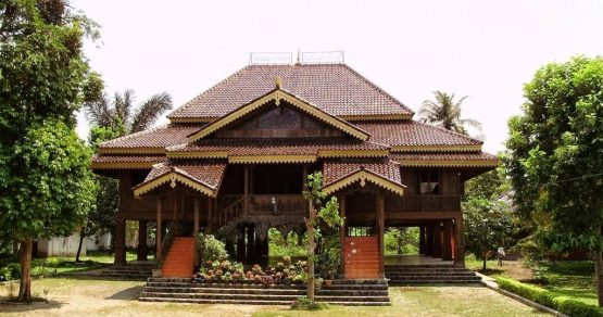 Types of Lampung Traditional Houses
