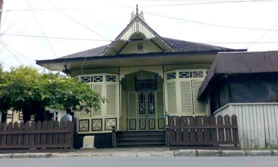 Rumah Adat Palembang Cara Gudang