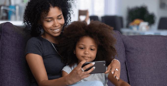 Smartphone Android dan iPhone Akan Filter Konten Dewasa Secara Otomatis