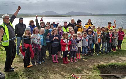 Stenness-primary-School-arrive-for-their-annual-visit