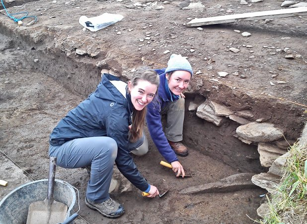 Ilana and Sarah uncover the new orthostat in Trench T.