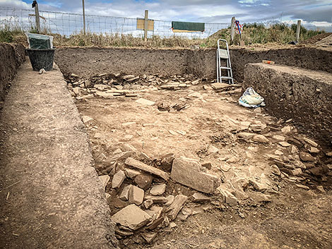 Excavation continues in Trench Y, looking for evidence of the wall that connected the northern and southern wall sections.