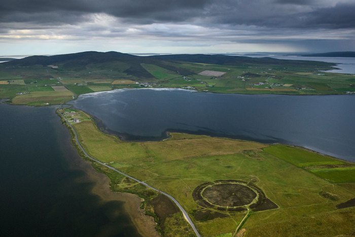 The Ring of Brodgar's location, looking south-east along the Ness of Brodgar towards the excavation site and the Stones of Stenness. (Jim Richardson)