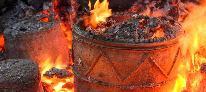 Pottery firing (Jim Richardson)