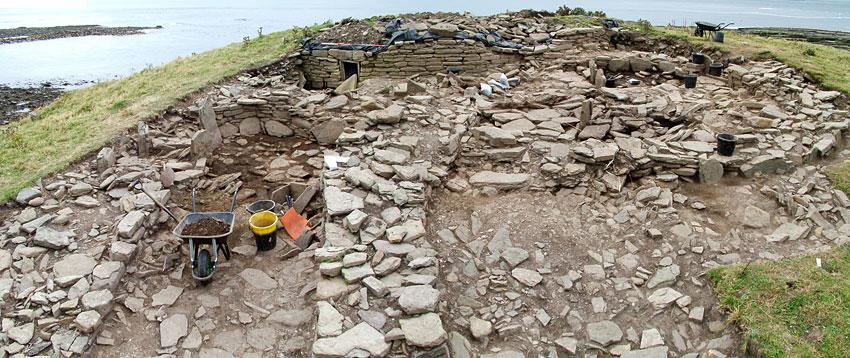 Excavation under way at the Knowe of Skea, Westray, in 2004. (Sigurd Towrie)
