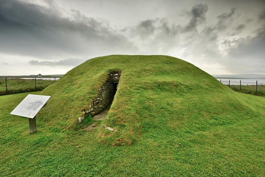 Unstan cairn, Stenness, Orkney. (Adam Stanford. www.aerial-cam.co.uk)