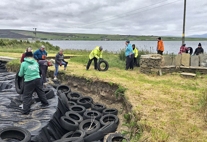 The operation to remove the tyres and covers from Structure Twelve gets under way. (Sigurd Towrie)