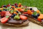 healthy dessert pizza