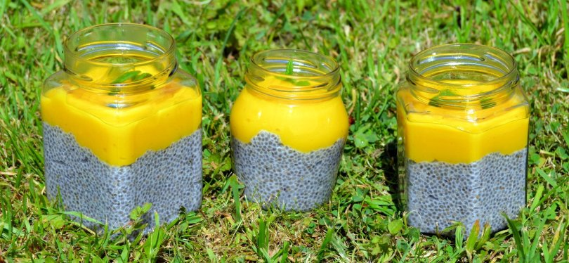 Mango Lime Chia Puddings in a row