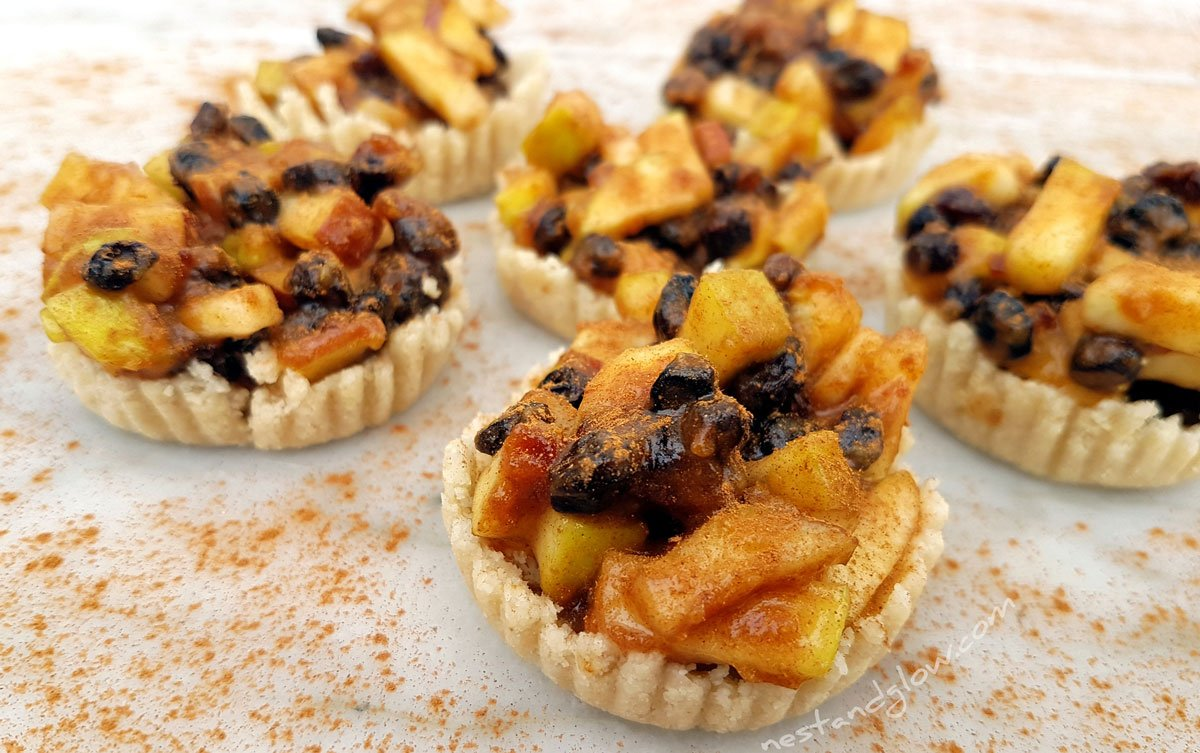 Raw Easy Mince Pies Sweetened with Fruit - Gluten and Flour Free