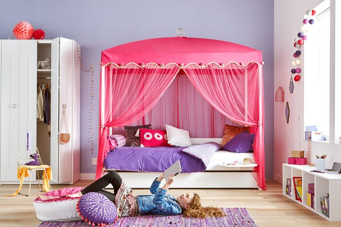 Four Poster Bed with 1001 Nights Canopy for kids in SA