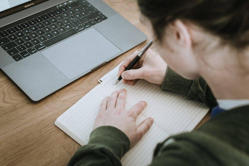 Terapeutiskt skrivande som arbetsverktyg