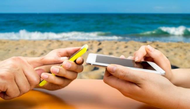 redes sociales verano playa moviles