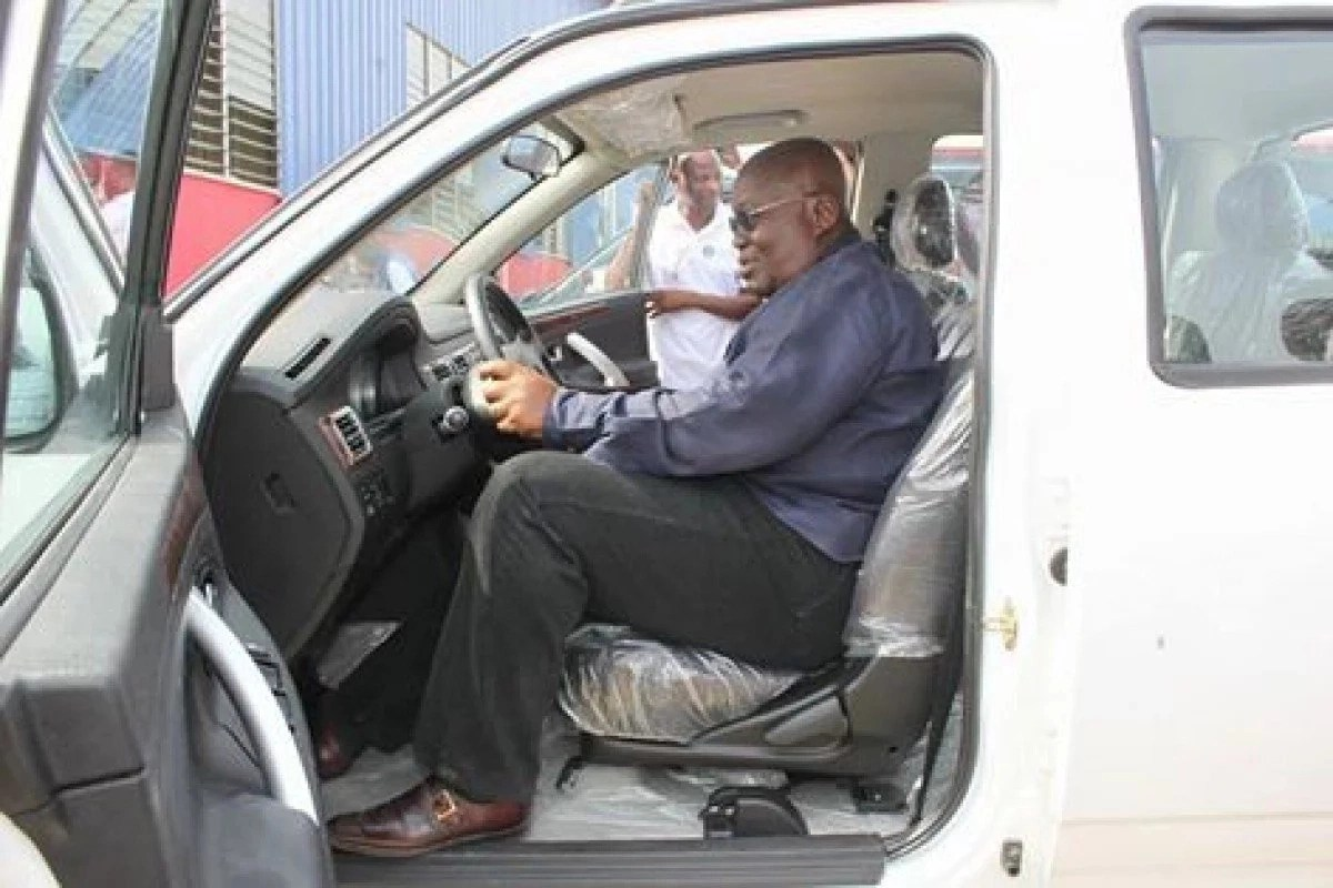 Kantanka vehicle calls Akufo-Addo a thief