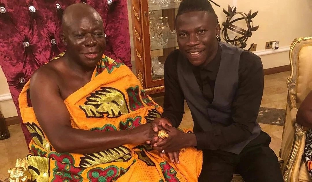 Shatta Wale, Stonebwoy meet Otumfuo