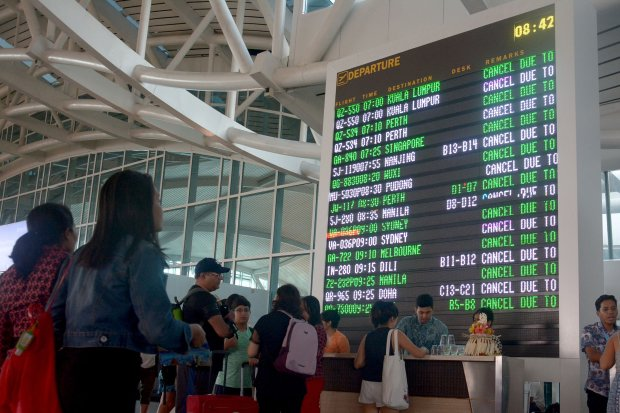 Bali airport reopens after Mount Agung forced flight delays