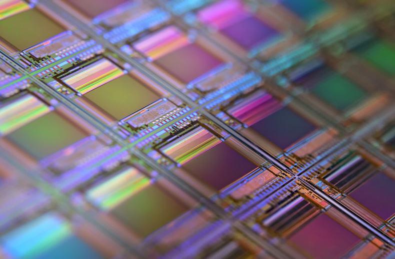 Intel y Apple deberían ser los primeros en adoptar la