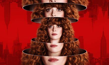 """Natasha Lyonne d'Orange is the New Black jouera la """"Poupée Russe"""" dès le 1er février sur Netflix"""