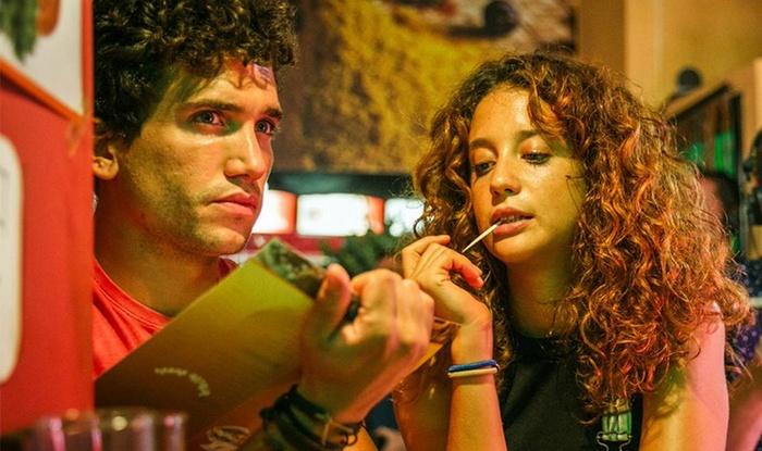Tu emmènerais qui sur une île déserte ? : retrouvez dès demain sur Netflix deux acteurs de la série Elite et de La Casa de Papel.