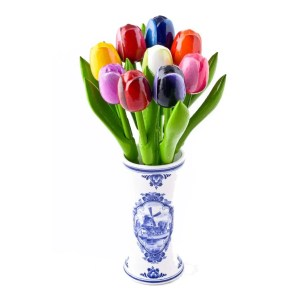 delft blue vase with tulips