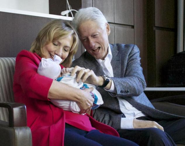 chelsea's first baby daughter with grandparents- Netmarkers