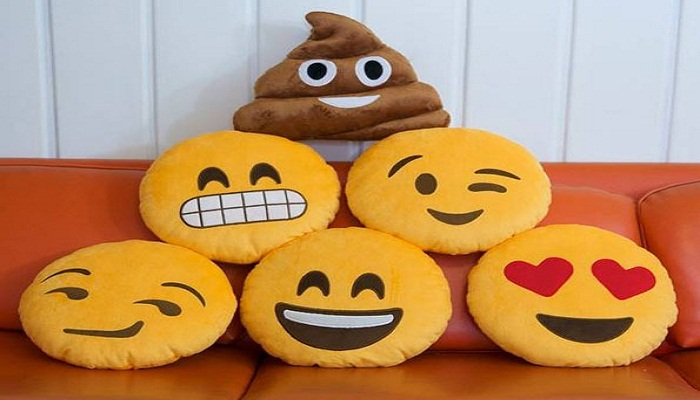 Emoticons-Pillow-Netmarkers