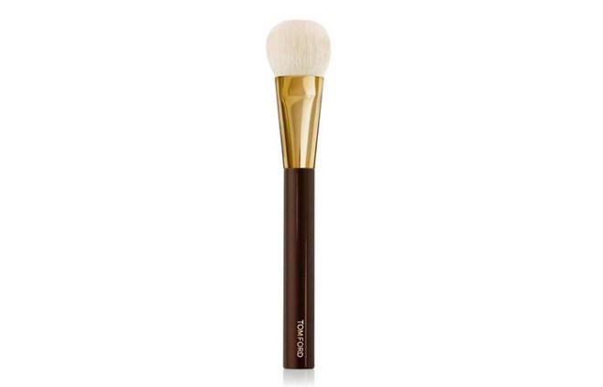 Tom-Ford-Cream-Foundation-Brush-02-netmarkers