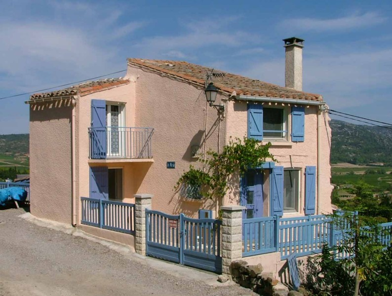 kitchen stoves for sale restaurant door hinges sold - 4 bedroom property with pool and land in montlaur ...