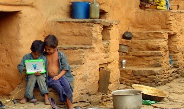 Informatikai-pedagógiai projektek a nagy világban (Hole in the wall, OLPC, Hipersuli)