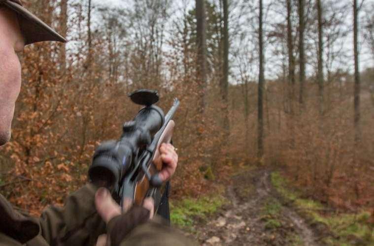 Sludder! Min riffel er da bedre end din!