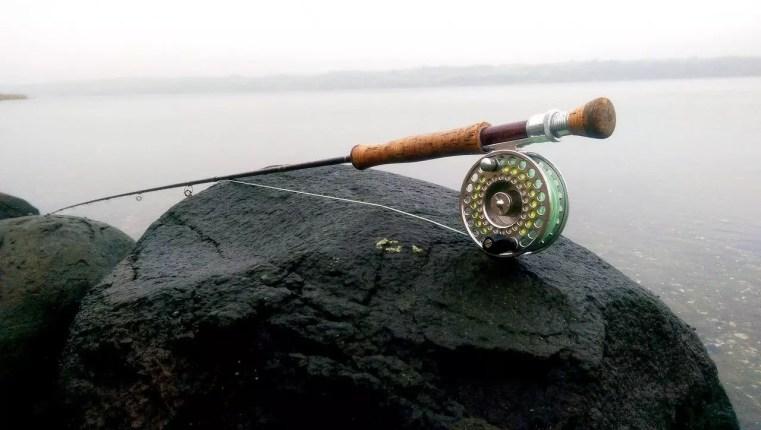 Klar til fluefiskeri i Mariager fjord