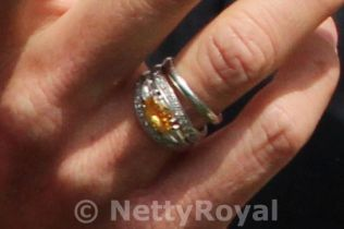 Queen Máximas engagement and wedding ring